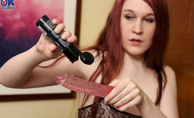 Minty Gets Dirty with a Dildo