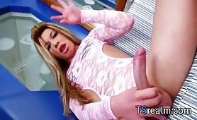 Hot tranny Bruna Koboldt Pleases Herself