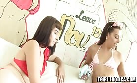 Alexa Scout and Chanel Santini fuck and suck each other